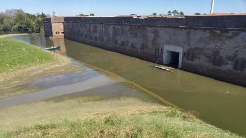 pulsaksi-water-moat