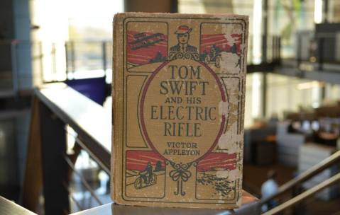 taser-came-from-the-acronym-of-a-novel-published-in-1911-titled-thomas-a-swifts-electric-rifle