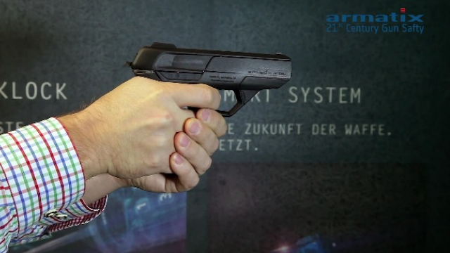 the-new-armatix-ip9-smart-gun-will-be-headed-to-the-states-in-2017