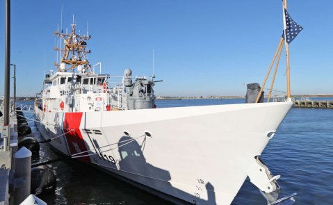 Photo by Philly.com http://www.philly.com/philly/news/new_jersey/20161119_Coast_Guard_to_get__game_changer__cutter_to_save_lives_and_catch_criminals.html?photo_3
