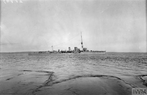 photograph (Q 23323) British light cruiser HMS CONSTANCE. Copyright: © IWM. Original Source: http://www.iwm.org.uk/collections/item/object/205263786