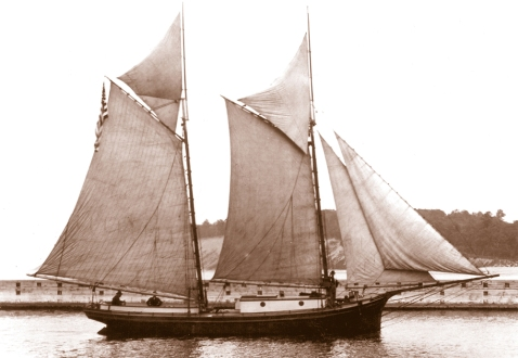 Photo of Dan Seavey's schooner Wanderer, courtesy Door County Maritime Museum via the Growler mag http://growlermag.com/roaring-dan-seavey-pirate-of-the-great-lakes/