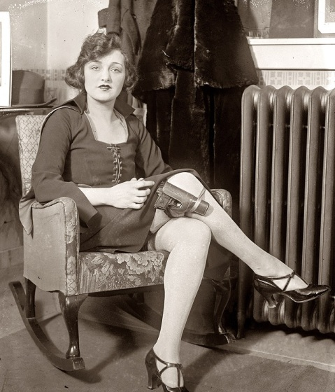 colt-32-on-the-leg-of-one-miss-mary-jayne-vaudville-performer-in-1922