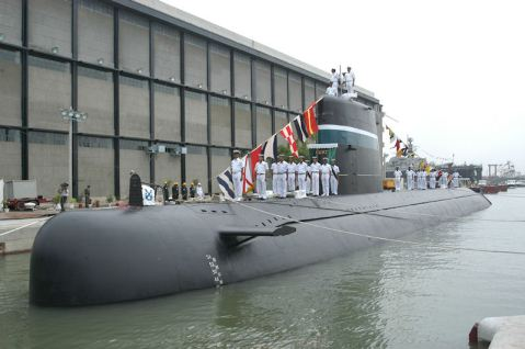 PNS/M Hamza (S139) – built in Pakistan, commissioned 14 August 2006. She is a a modernized and long–range air-independent powered Agosta–90B class submarine designed and developed through a joint venture between the French DCNS and Pakistan's KSEW Ltd