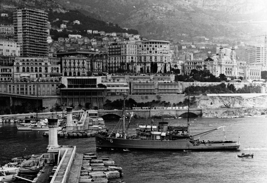 USS ESCAPE (ARS-6) Entering a Mediterranean Sea Port, during the 1970s. Catalog #: NH 88518 click to big up