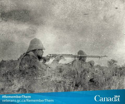 canadian-soldier-firing-his-lee-metford-rifle-during-the-battle-of-paardeberg-1900-boer-war