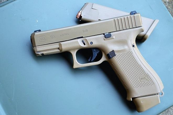 Glock 19X Eger (5) | laststandonzombieisland