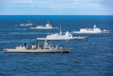 IONIAN SEA, Feb 25, 2019. NATO warships sail in formation while performing Dynamic Manta's Photo exercise. Dynamic Manta is an NATO Maritime Command-led exercise designed to sharpen the anti-submarine warfare and anti-surface ship warfare skills of the participating units. Dynamic Manta 2019 will be conducted in vicinity of Italy from 25 February to 8 March and include participants from 10 NATO Allies . Canada, France, Germany, Greece, Italy, Netherlands, Spain, Turkey, the United Kingdom and the United States provide in total 5 submarines, 9 ASW surface ships, 6 MPAs and 11 Rotary Wing Aircraft (Helicopters) to participate in this exercise. NATO Photo by FRAN WO Christian Valverde.