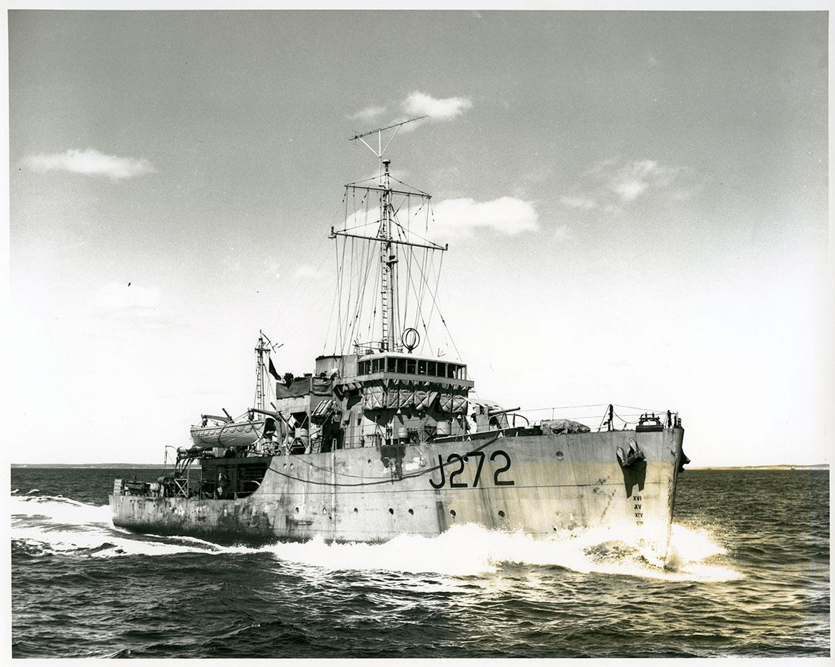 HMCS Esquimalt J272 Via Canada Archives