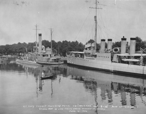 Destroyer Dale d-290at the Philadelphia shipyard June 14, 1926 academic ship Cheyenne former monitor and submarine S-22