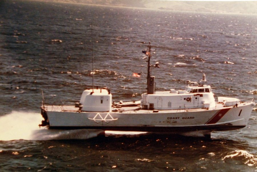 428-GX-K108129 Patrol Craft, Hydrofoil, USS High Point (PCH-1) underway during a search and rescue exercise off San Francisco by JOC(AC) Warren Grass, 25 April 1975