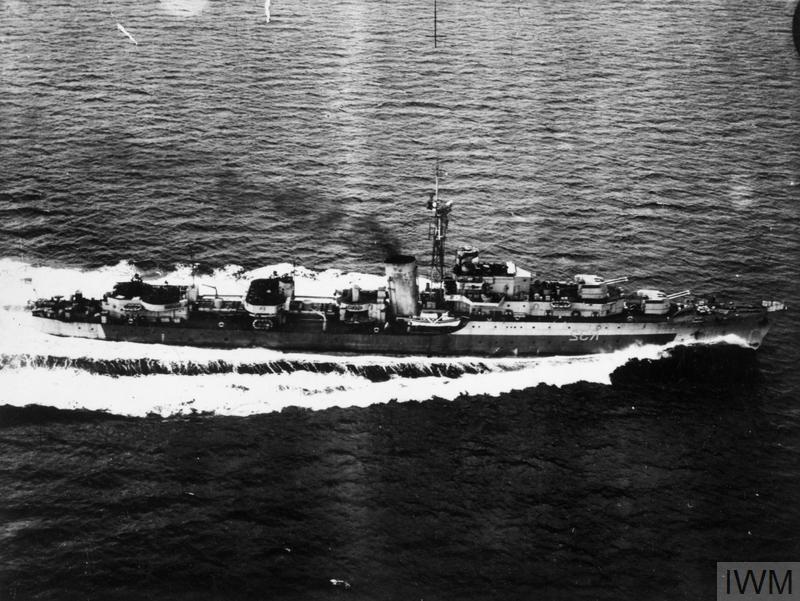 HMS CAMPERDOWN, BRITISH BATTLE CLASS DESTROYER. MAY AND JUNE 1945. IWM (A 29620)